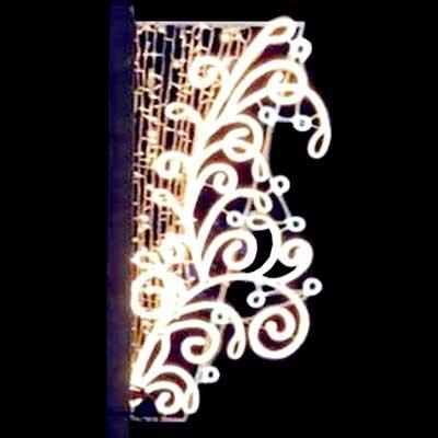 mounted-Pole-lights outdoor-Christmas-decor